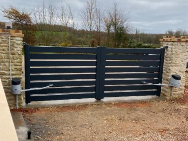 Pose de portes de garage et portails motorisés ou non à Ernes